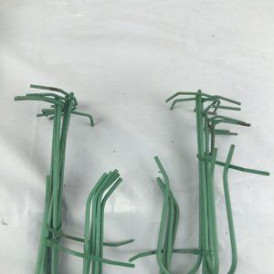 Wire Floral Clips green set of 12